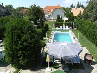 Ferienhaus-Fort mit Pool  Fewo , H-8624  Balaton-Plattensee